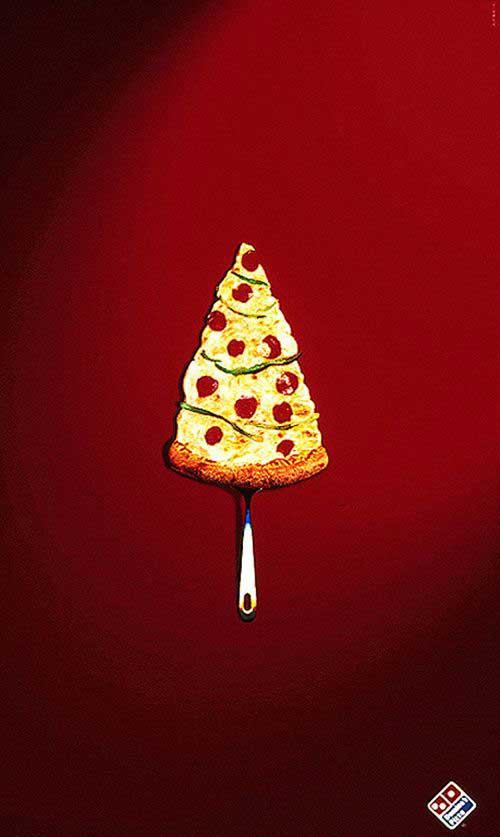 پبتزا دومینو هم نشانش در امان است و در گوشه راست پایین صفحه در سایز معقول قرار دارد. کدام یک از برندهای ایرانی این شهامت را دارند تا آرمشان را در این اندازه درج کنند؟