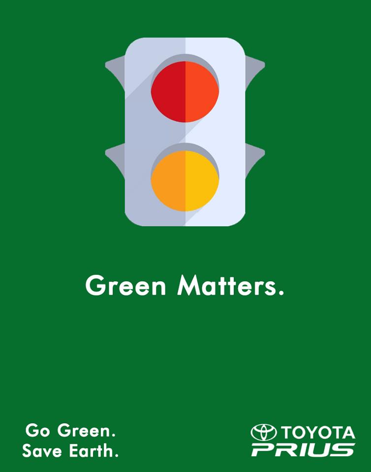 چراغ راهنمایی بدون رنگ سبز و البته پس زمینه سبز طرح با شعار معروف تویوتا پریوس که به فکر نجات زمین است به خوبی هماهنگی دارد.